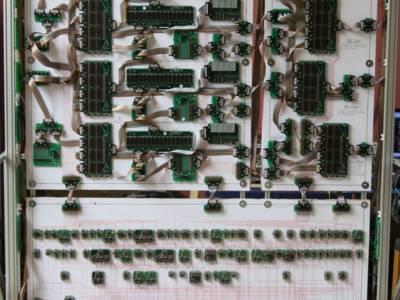 Record: een 10-meter brede 16-bits megacomputer met discrete onderdelen