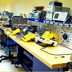 Crazy Xmas @ Elektor: win home lab equipment t.w.v. € 2500