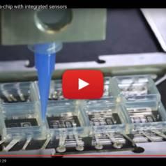 Volledig 3D-geprint hart-op-een-chip met geïntegreerde sensors