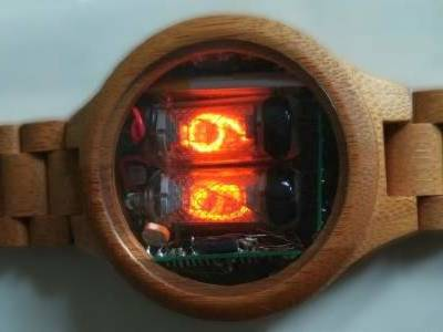 Retro en Stijlvol: bouw een houten Nixie-horloge