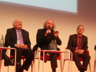 Richard Clemmer, Frank Fitzek en Reinhard Ploss op de beurs electronica in München
